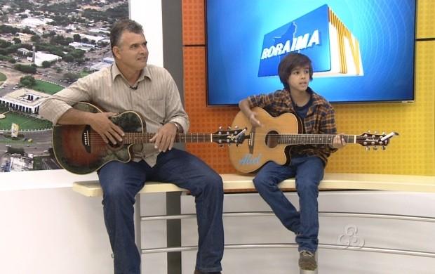 O pai de Aliel está sempre acompanhando o filho (Foto: Roraima TV)