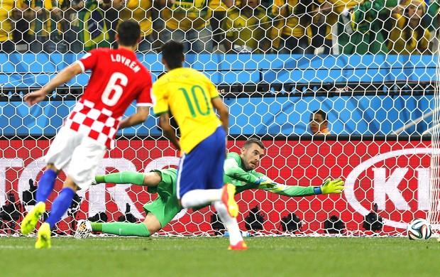 Gol Neymar contra a Croácia (Foto: Agência Reuters)