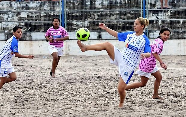 Futebol de areia feminino, Manaus (Foto: Antônio Lima/Semdej)