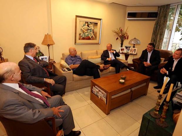 Governadores Geraldo Alckmin (SP), Fernando Pimentel (MG) e Raimundo Colombo (SC) se reuniram com o governador Luiz Fernando Pezão na casa dele, no Leblon (Foto: Carlos Magno/Governo do RJ)