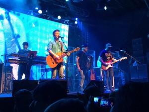 Michel Teló se apresentou em Araucária, na Região Metropolitana de Curitiba, na noite de sábado (9) (Foto: Daiane Baú / Arquivo Pessoal)