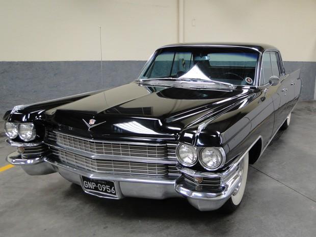 Segundo especialista, Cadillac da década de 1960 é almejado por colecionadores. (Foto: Sara Antunes/G1)