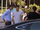 Gerard Piqué deixa hotel e vai treinar no Maracanã, no Rio