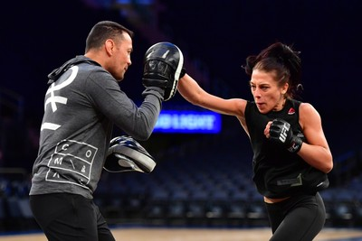 Joanna Jedrzejczyk treino aberto UFC 205 (Foto: Jason Silva)