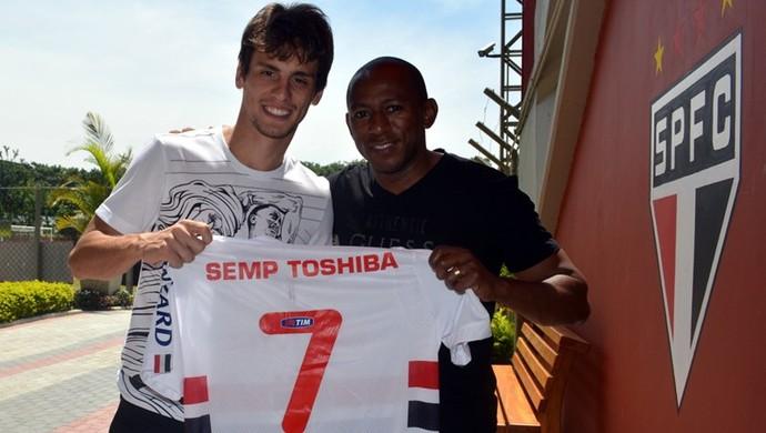 Rodrigo Caio e Mineiro (Foto: site oficial do SPFC)