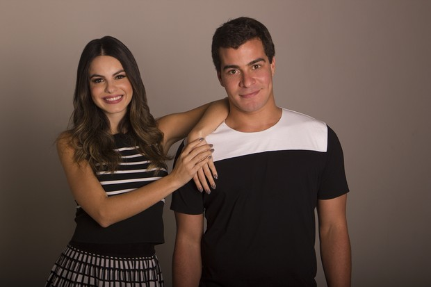 Thiago Martins e Sthefany Brito (Foto: RODRIGO MOLINA/Dilvulgação)