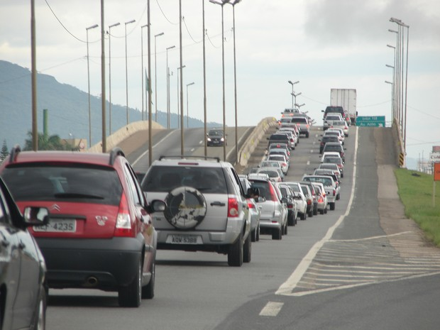 filas na BR 101 na manhã de 1º de janeiro em Santa Catarina (Foto: Jaime Batista da Silva/Divulgação)
