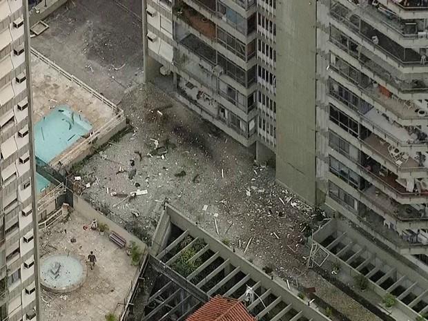 Forte explosão foi ouvida e bombeiros foram chamados em prédio de São Conrado (Foto: Reprodução/TV Globo)
