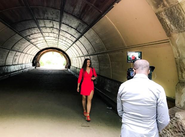 Nana Gouvêa na gravação da série The Fever (Foto: Divulgação)