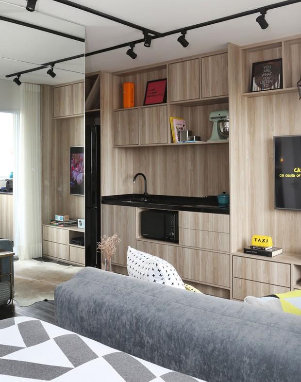 decoracao de ambientes pequenos e integrados : decoracao de ambientes pequenos e integrados:pequeno ganha mais espaço com sala e cozinha integradas apê pequeno