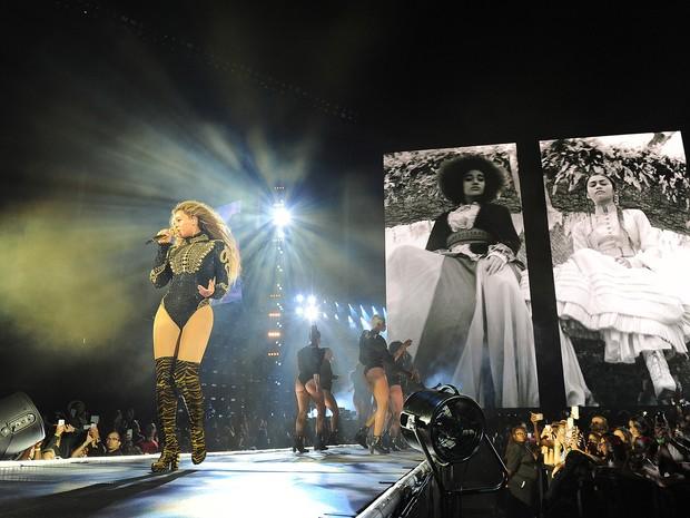 Beyoncé faz show em Miami, nos EUA, nesta quarta-feira (27) (Foto: Frank Micelotta/Invision para Parkwood Entertainment/AP)