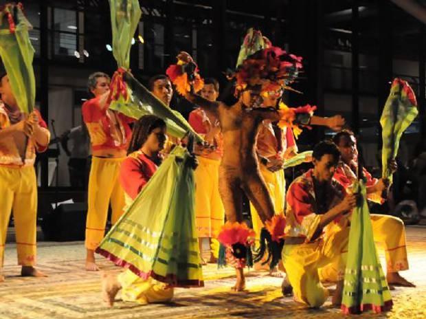 As danças do Marajó e as lendas da Matinta Pereira e da Cobra Grande são os destaques da apresnetação. (Foto: Everaldo Nascimento/Os Pará 2000)