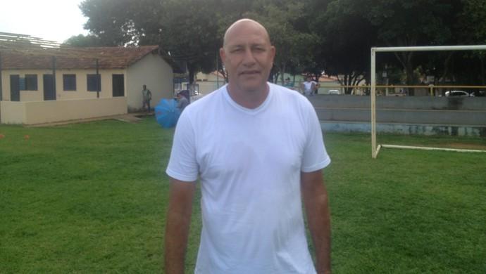 Carlos Magno, técnico do Palmas (Foto: Edson Reis/GloboEsporte.com)