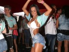 Fernanda D'avila mostra cinturinha: 'Treinei muito para ficar assim'