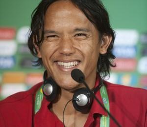 Marama Vahirua, único jogador profissional do Taiti (Foto: Eugenio Savio/AP)