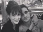 Sophia Abrahão e Fiuk saem para jantar e posam abraçados