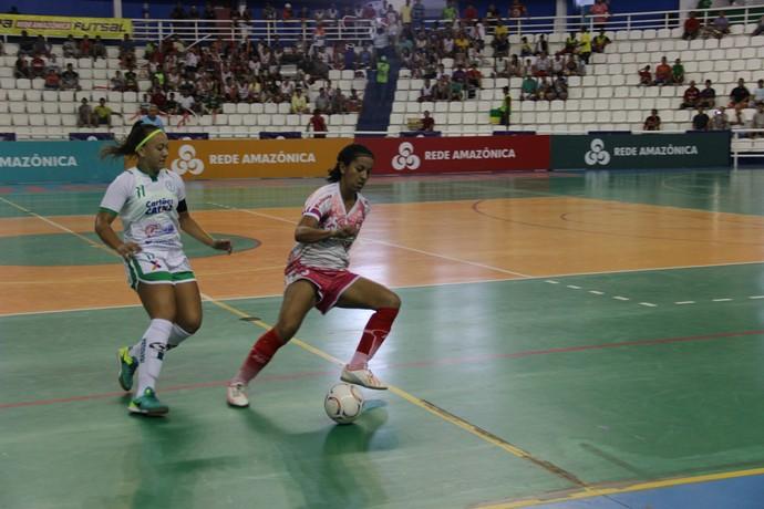 Jogo foi disputado na Arena Amadeu Teixeira (Foto: Patrick Marques)