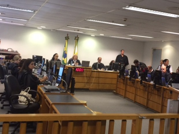Sala de audiência no Tribunal Regional do Trabalho nesta segunda-feira (23) (Foto: Cristina Boeckel/G1)