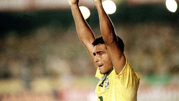 Romário gol jogo Brasil e Uruguai Eliminatórias 1993 (Foto: Arquivo / Agência Estado)