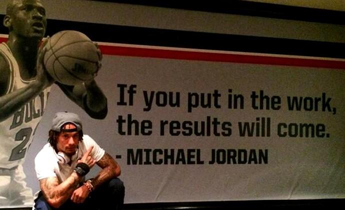 Por Vaga Eua Se Inspiram Em Jordan E Fazem Banners Com