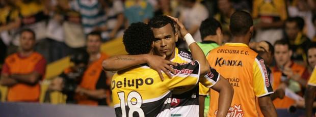Zé Carlos, gol do Criciúma sobre Avaí (Foto: Fernando Ribeiro, Divulgação / Criciúma E.C.)