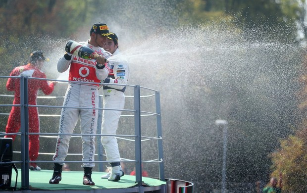 Lewis Hamilton, Segio Pérez e Fernando Alonso no pódio do GP da Itália (Foto: Getty Images)