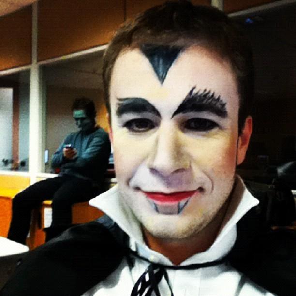 No halloween apresentador tiago leifert posa vestindo for Pinturas de cara para halloween