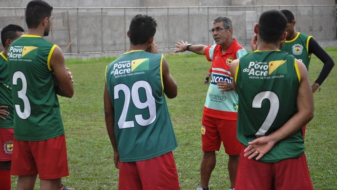 Paulo Roberto Oliveira, técnico do Galvez (Foto: Duaine Rodrigues)
