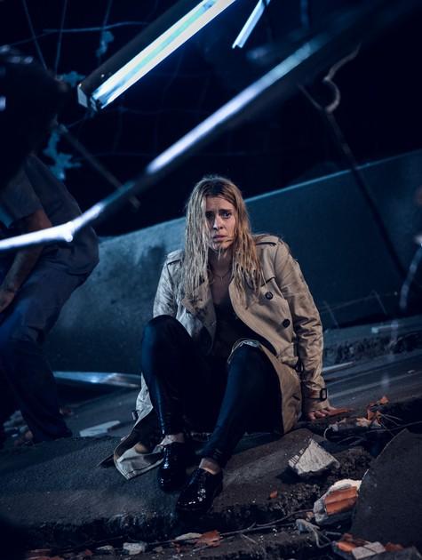 Carolina Dieckmann em uma cena de 'Treze dias longe do Sol' (Foto: Ramón Vasconcelos / TV Globo)