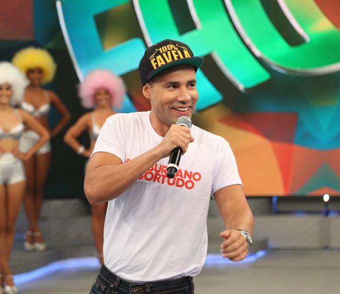 Rodrigo Sant'anna no palco do 'Domingão do Faustão' (Foto: Carol Caminha / Gshow)