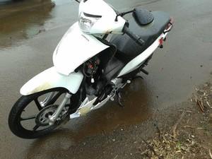 Mulher de 26 anos morreu em acidente em Chapecó (Foto: Polícia Militar/Divulgação)