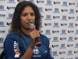 Cristiane é apresentada em São José dos Campos (Foto: Danilo Sardinha/ Globoesporte.com)