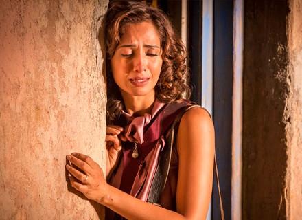 Tereza chora por Santo, diz que devia ter lutado por ele e toma decisão