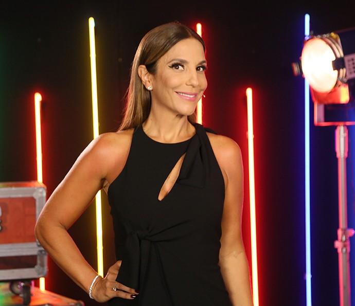 Ivete Sangalo está usando um vestido preto lindo! (Foto: Isabella Pinheiro / Gshow)