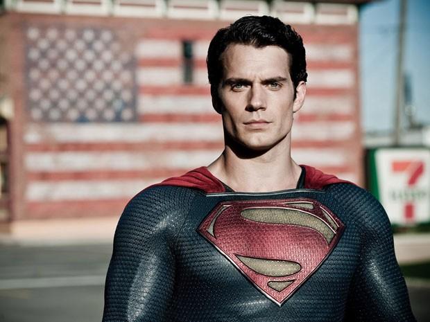 Henry Cavill como Super-Homem em 'O homem de aço' (Foto: Divulgação)