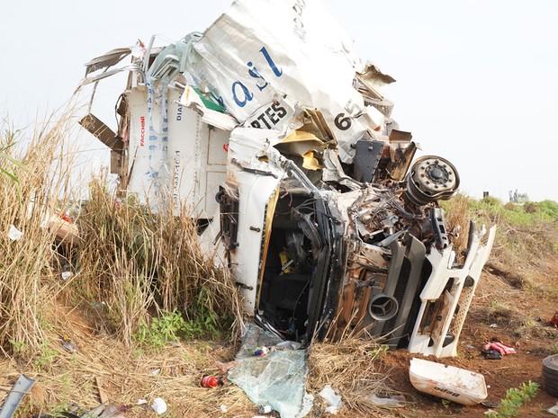 Acidente na BR-364 em Campo Novo do Parecis (MT) (Foto: Parecis.Net)