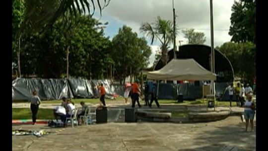 Integrantes de movimentos sociais acampam em praça de Belém