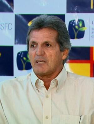 Roberto Oliveira, técnico do São Carlos (Foto: Ely Venâncio/ EPTV)