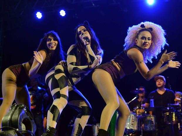 Anitta se apresentou na segunda-feira (8) em Santa Rita do Sapucaí, MG (Foto: Bloco do Urso/ Divulgação)