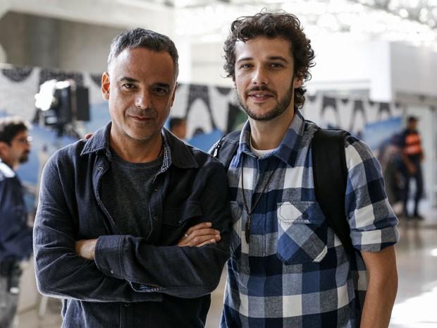 Pai e filho na trama, Ângelo Antônio e Jayme Matarazzo mostram parceria nos bastidores (Foto: Ellen Soares/Gshow)