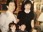 Khloe Kardashian relembra infância ao lado de pais e irmãs na web