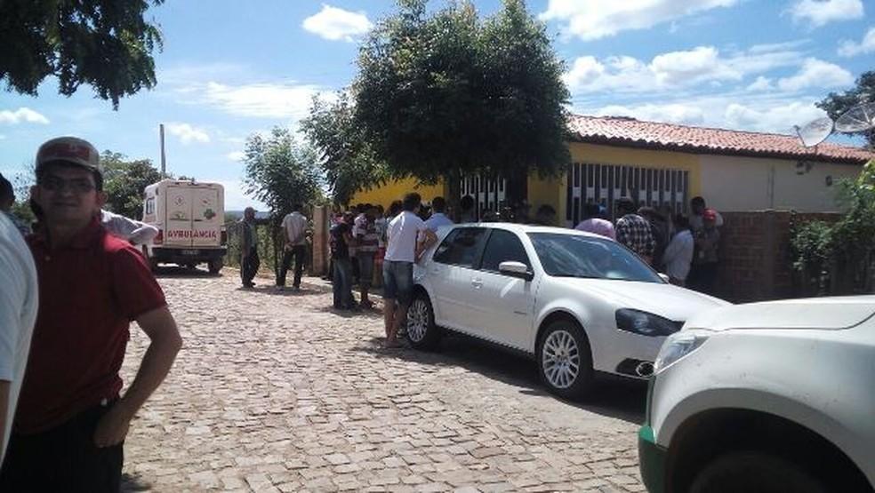 Policial militar foi morto dentro da delegacia em Paquetá (Foto: Edson Costa/Folha Atual)