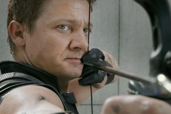 Jeremy Renner como o Gavião Arqueiro na franquia Vingadores (Foto: Reprodução)