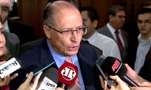 'É evidente que estavam armados', diz Alckmin sobre morte de menino