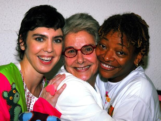 Adriana Calcanhoto, Suzana de Moraes e Mart'nália posam para foto em novembro de 2006, no Rio de Janeiro (Foto: Cristina Granato/Agência O Globo)