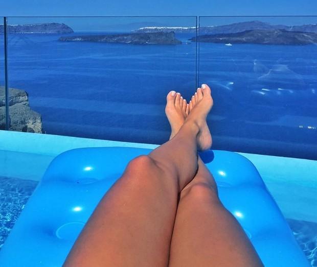 Renatinha tira onda na Grécia (Foto: Reprodução/Instagram)