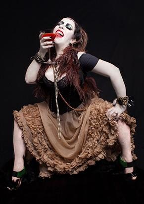 Marya Bravo vive Magda, uma terrível vampira (Foto: Arthur Seixas)