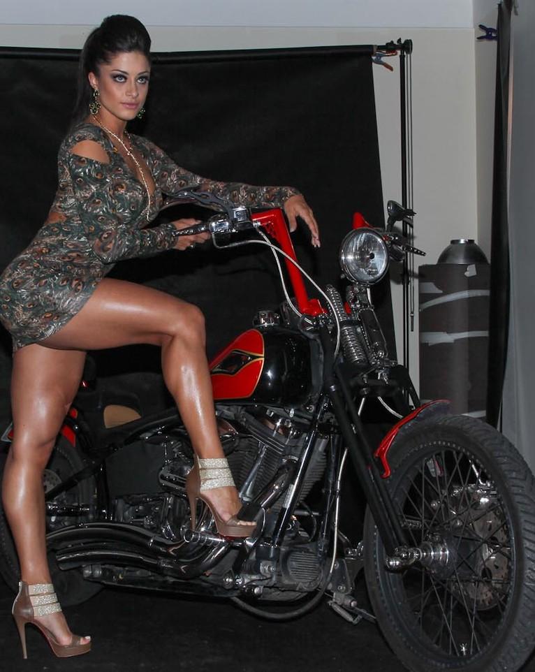 Aline Riscado em moto, famosa em moto, gostosa em moto, Mulher semi nua em moto, Famous on bike, woman motorcycle, babes on bike, woman on bike, sexy on bike, sexy on motorcycle, ragazza in moto, donna calda in moto, femme chaude sur la moto, mujer caliente en motocicleta, chica en moto, heiße Frau auf dem Motorrad