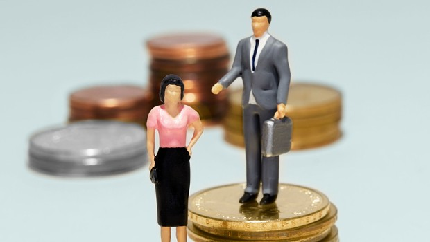 Desigualdade entre homens e mulheres ; homens ganham mais que mulheres ; diferença no salário ; carreira ;  (Foto: Shutterstock)