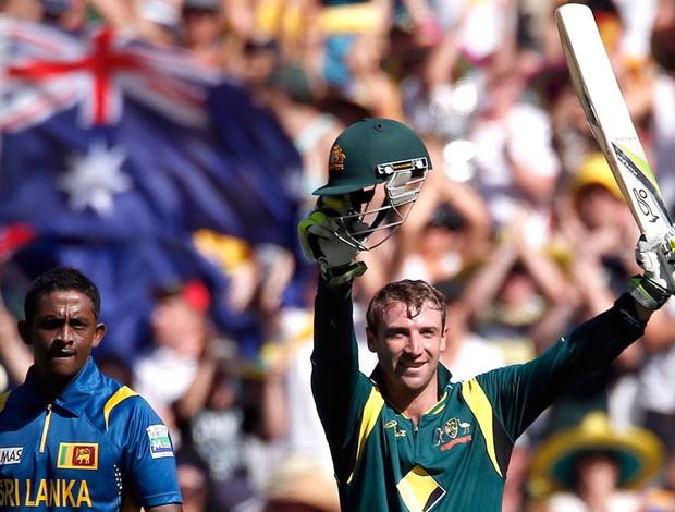 Phil Hughes comemora vitória de críquete (Foto: Reuters)